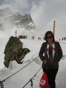 Boy, was I shivering here. Brrrr...my lips were trembling and my hands got numbed. But it was do or die for me. :-)